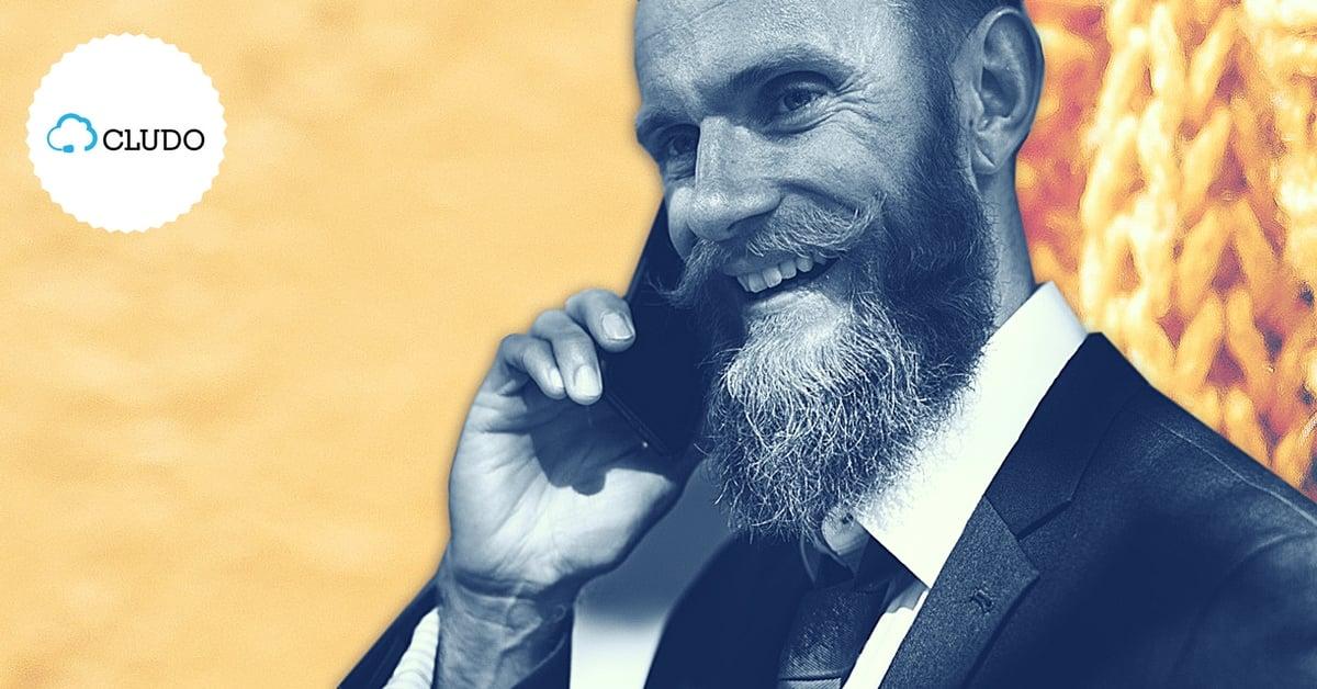 hipster rozmawia przez telefon jak komunikować się z różnymi generacjami